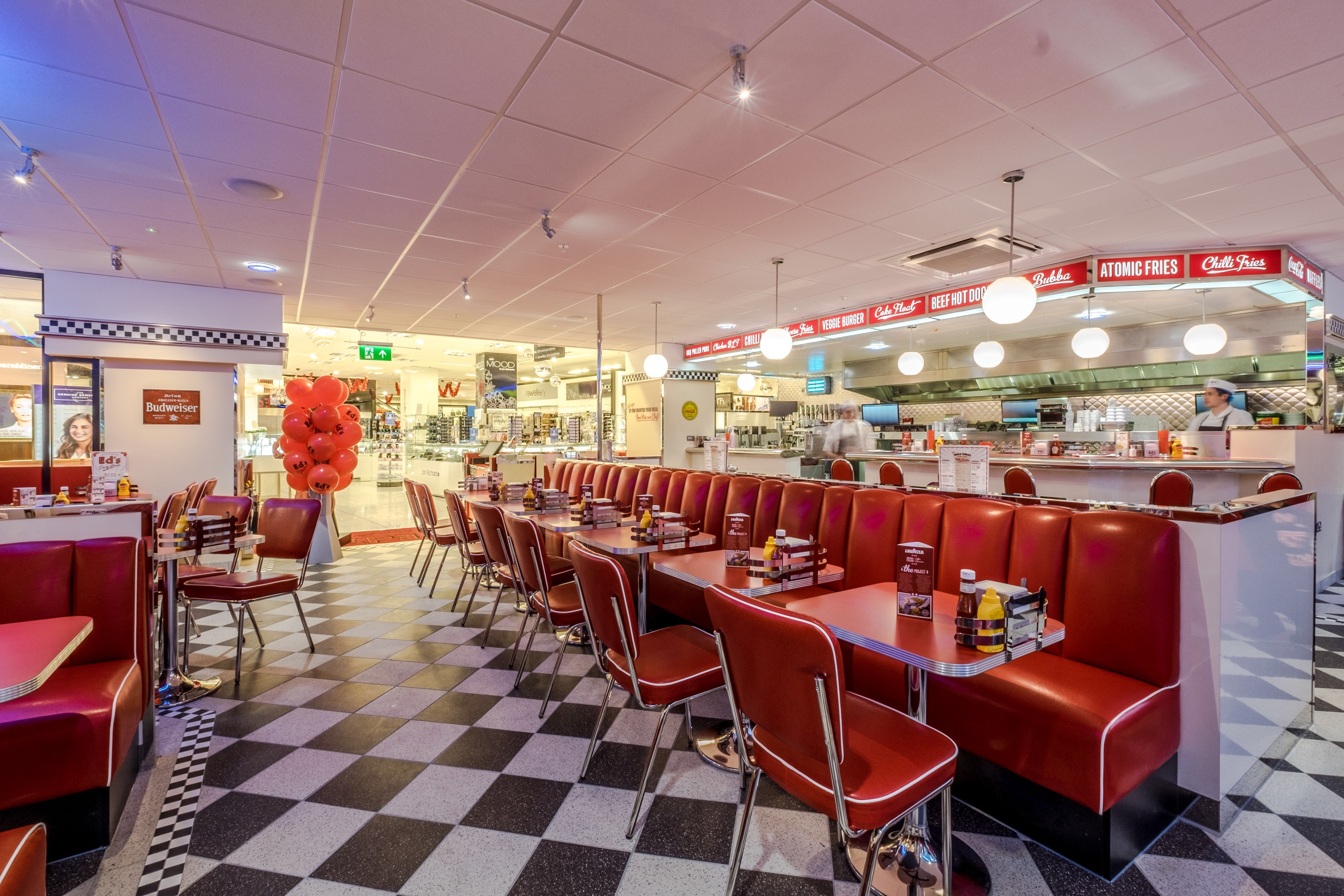 Ed 39 s easy diner debuts in debenhams manchester about for Diner picture