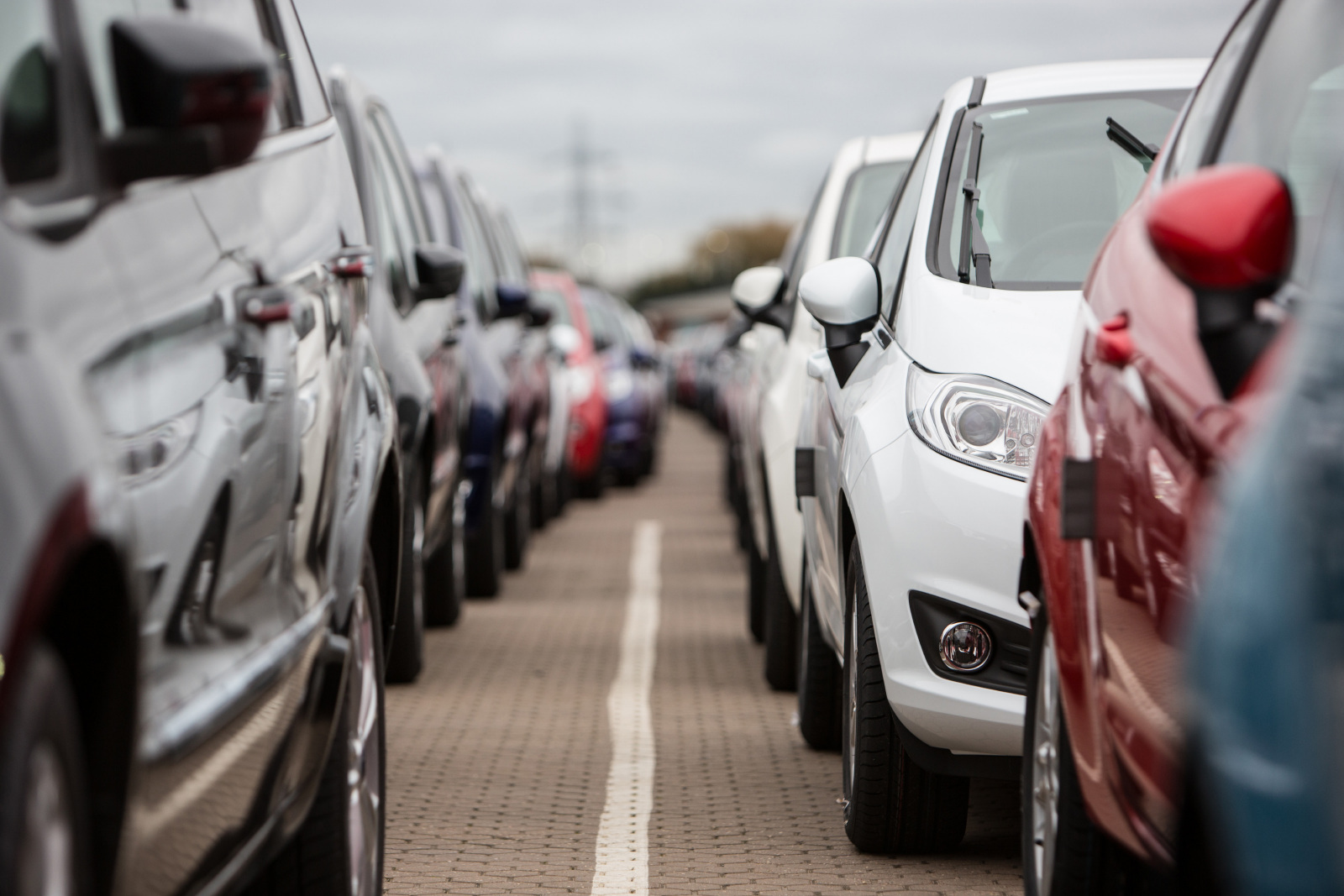 New car market drops 2.8%, figures show