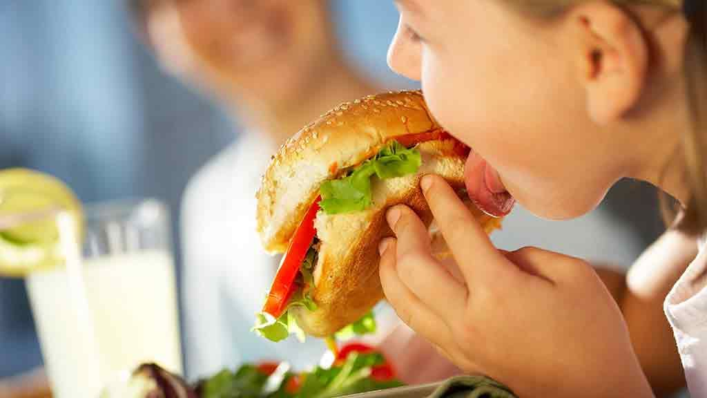 does advertising influence our food choices essay writing